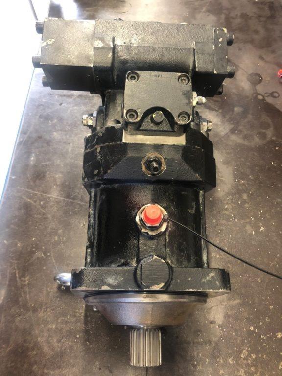 silnik jazdy REXROTH do koparki HITACHI ZX 180