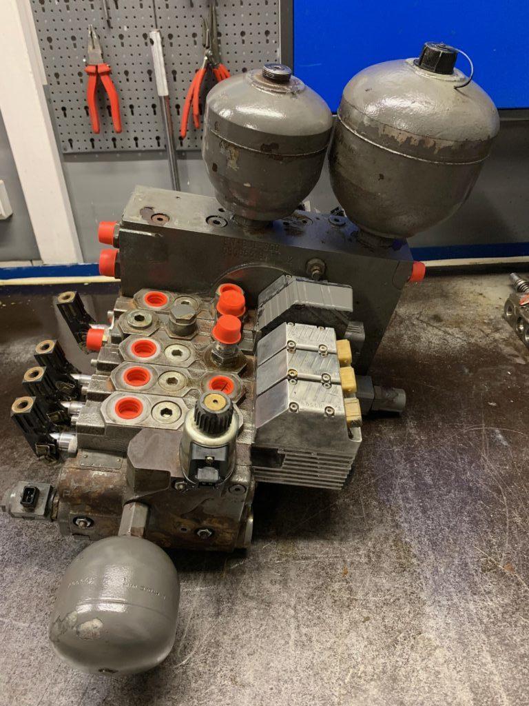 rozdzielacz hydrauliczny do ciągnika FENDT 926